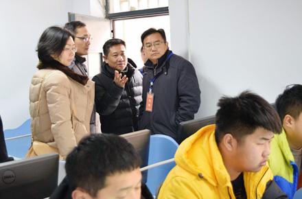 市教育局副局长葛飞视察财贸学校学生学业水平测试工作