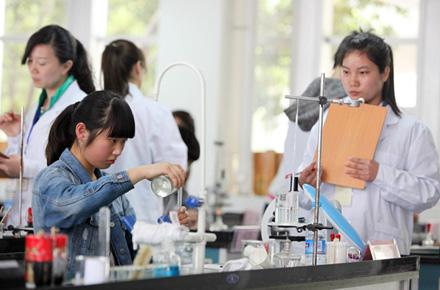 郑州中招理化生实验操作4月1日开考 满分30分计入中招总成绩