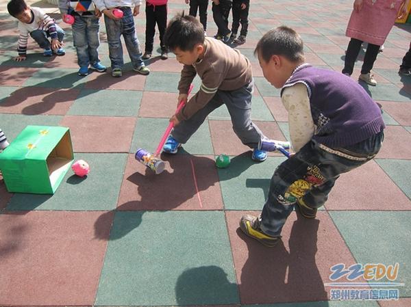 砖牌坊街幼儿园开展自制教具展示活动