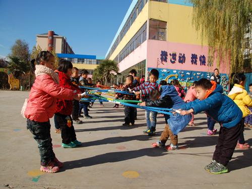 郑州新闻网_自制玩教具,玩出孩子的快乐童年--郑州教育信息网