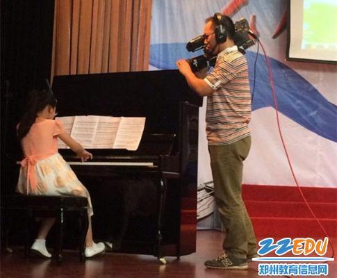 郑东新区学生朱婉宁在郑州v学生体育沙龙上应邀小学德育博客计划图片