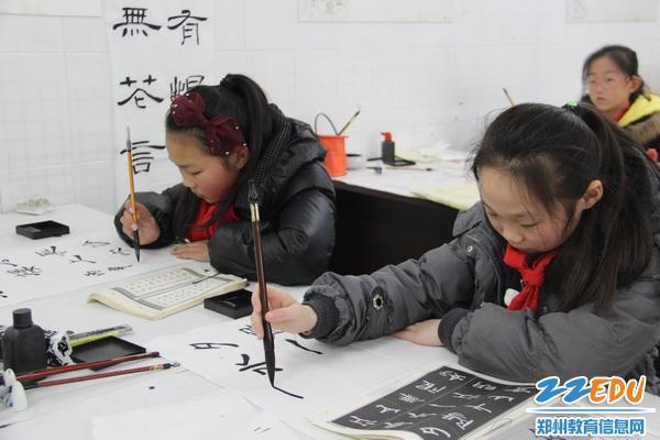 [惠济] 多彩校本课程 丰盈缤纷童年 _ 校园网 _ 郑州图片
