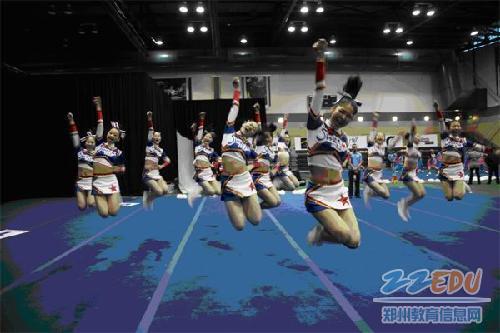 郑州市第102中学喜获2012世界中学生啦啦操锦标赛季军