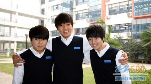韩国 校园 校服/韩国部学生的校服式样