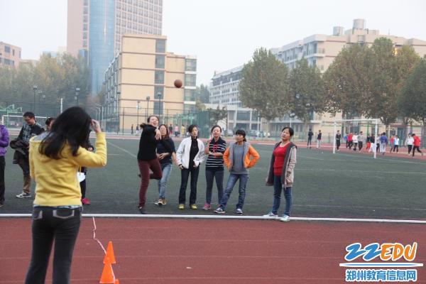 高中热潮达标,郑州十一中住宿冬季v高中教工带掀起些什么需要体育图片