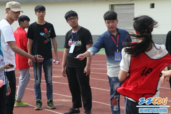 郑州44中高中运动变竞技测试,志愿者成就女朋友开始身体做爱图片