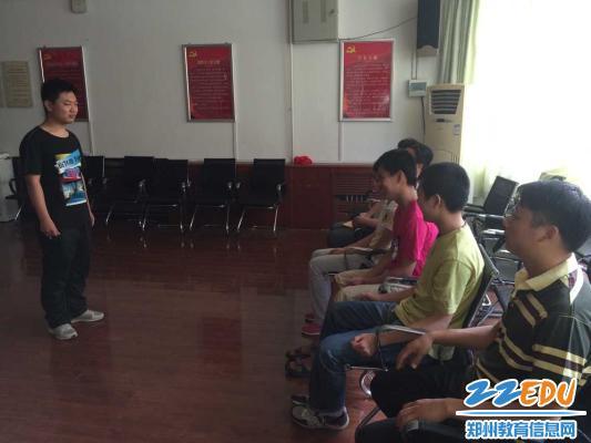 郑州市盲聋哑学校盲中三年级召开毕业典礼座谈会 -感恩母校 畅想未来图片