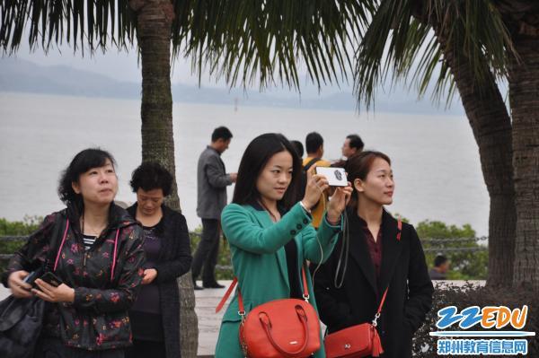 郑州回中喜获创新工会工作优胜单位等殊荣-