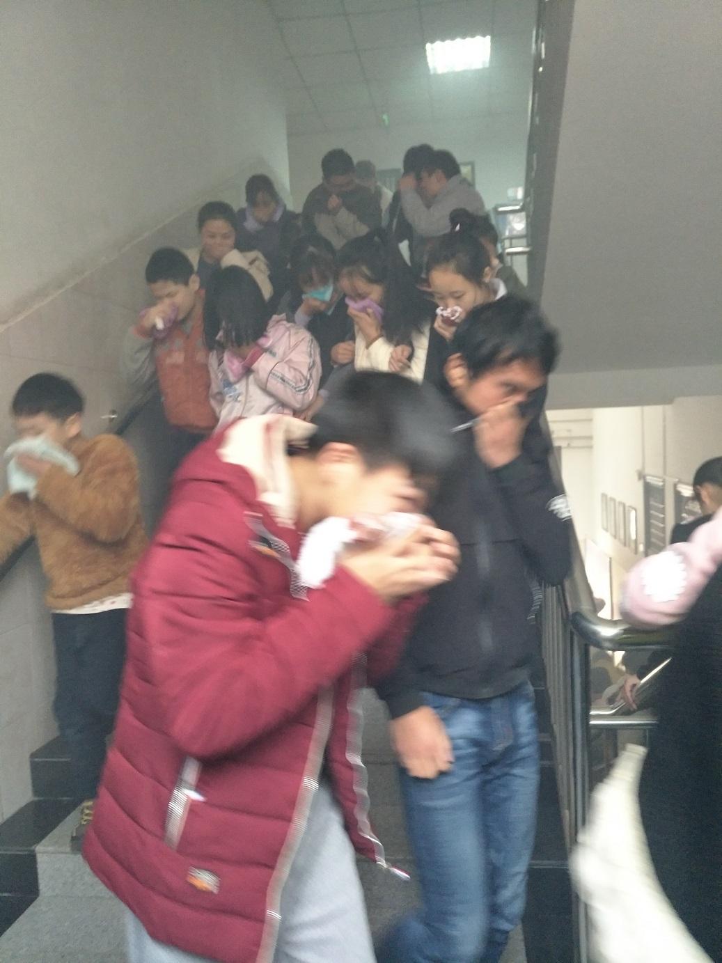 防患于未然,郑州市盲聋哑学校举行消防疏散大演练