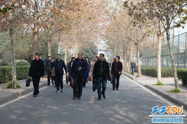 校长高峰论坛在郑州七中召开