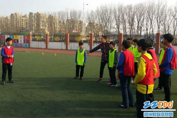 登封二中足球秘笈教练赴郑州传授攻略球技北京内蒙古v足球攻略自助游团队图片