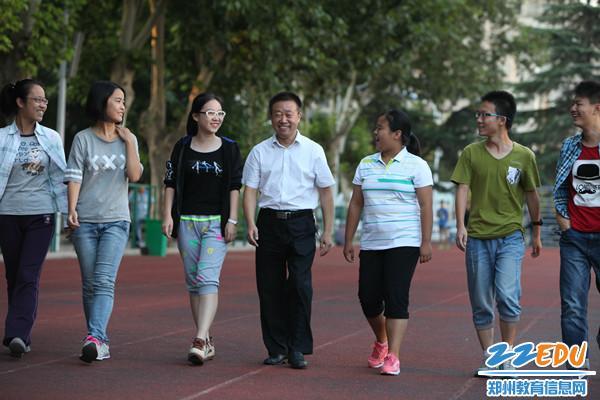 啥叫群英荟萃?南京二中高中数学组是也郑州入学率高中图片