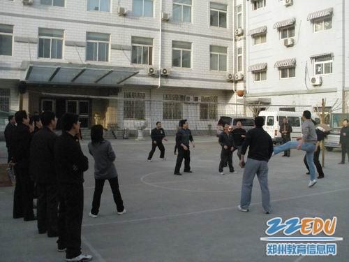 郑州二十四中 教工体育节激情四射