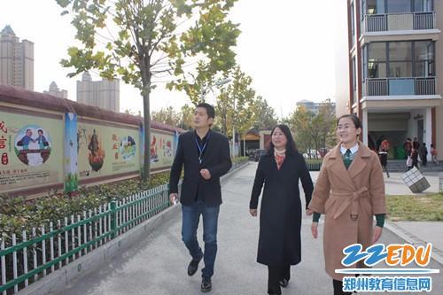 [中牟]商都路小学迎接河南省语言文字工作评估图片小学生手阅读抄报图片