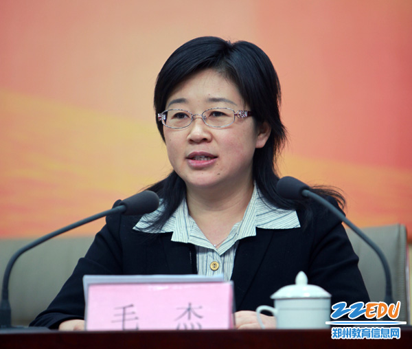 郑州启用首批50个名师工作室 教师培养模式迈出关键一步