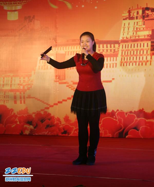 """省市领导慰问四中藏班学生 共庆""""藏历木马年"""""""