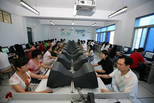 郑州教育信息化咋发展 市教育局邀请市民提建议