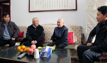 市教育局领导李陶然一行走访慰问教育系统离退休老干部