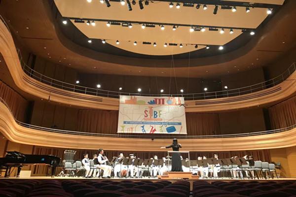 乐团在比赛现场YSTCM国际音乐厅一展风采rh2