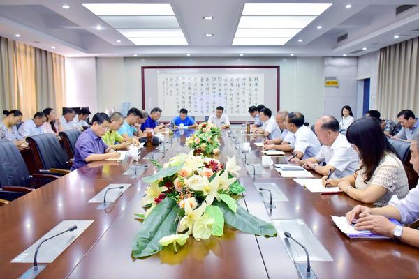 郑州市基础教研室专家指导郑州47中高三复习工作