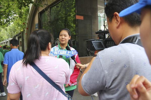 6学校学生向新闻媒体谈自己的感受 副本