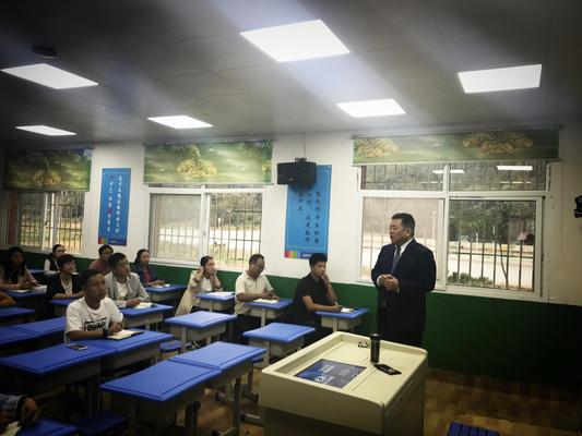 王幸福校长与老师们探讨教师应关注的十个热点话题2