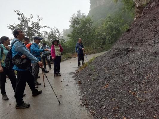 郑州31·103中高中地理杰出教师工作室到太行山进行地理实践力考察