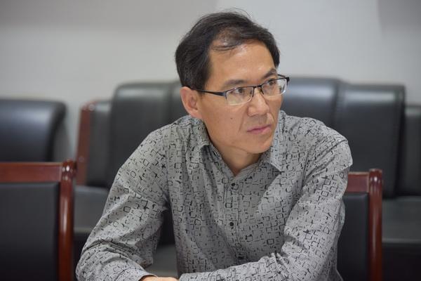 科研专家精准指导,提升郑州市国防科技学校教