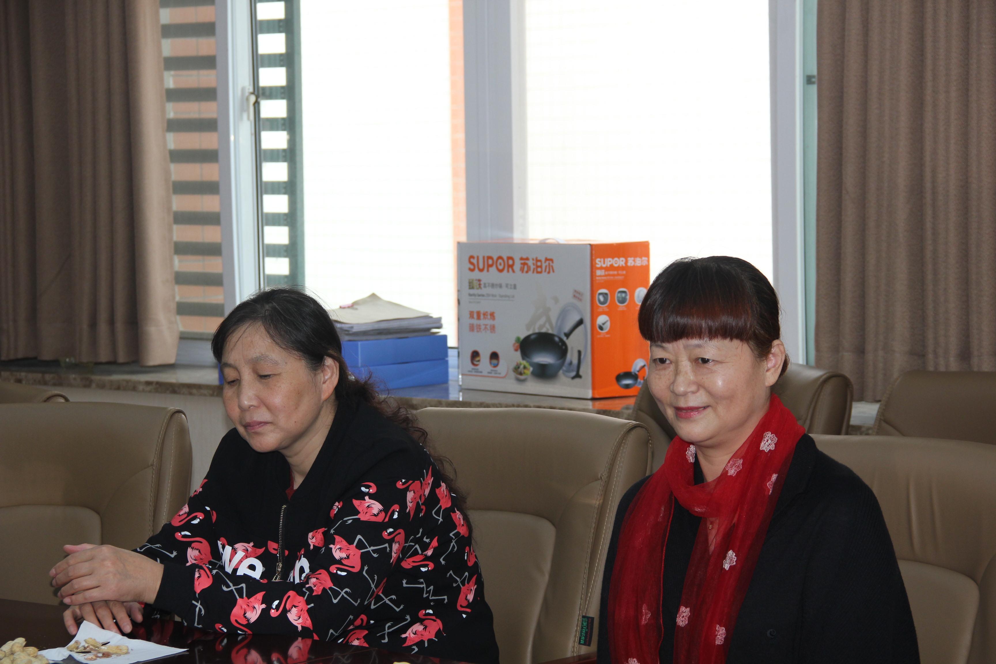 被歡送,是一種初中鄭州101教師需要退休價值舉行的中學反義疑問句圖片