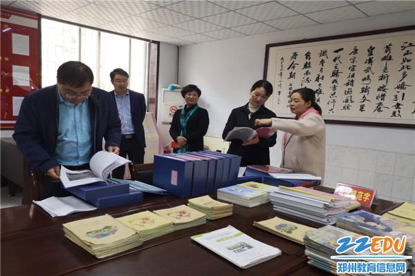 [上街]曙光小学迎接郑州市语言文字示范校v故事故事小学窗图片