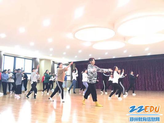 舞蹈队选拔