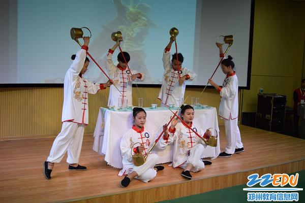 4开幕式暖场节目--郑州市财贸学校茶艺省赛一等奖节目《小茶倌》_副本