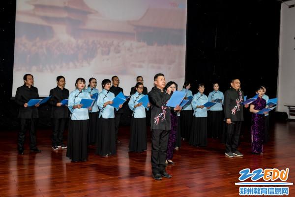 高二年级组朗诵《青春中国》