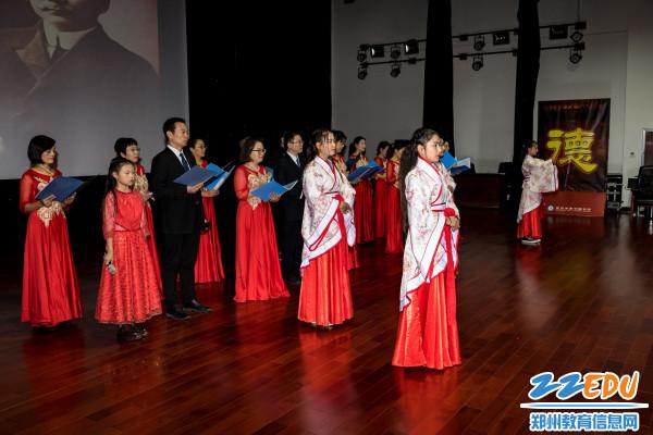 高三年级组朗诵《我骄傲,我是中国人》