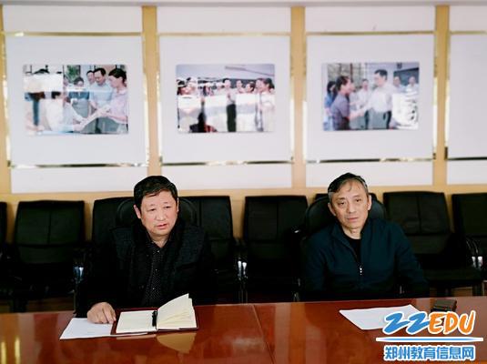 党总支书记张云敬介绍学校党建工作开展情况