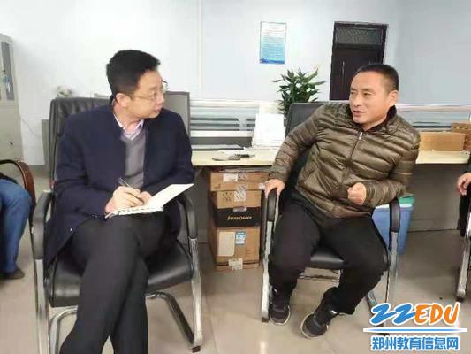 郑州八中副校长于兆进指导火灾防控工作