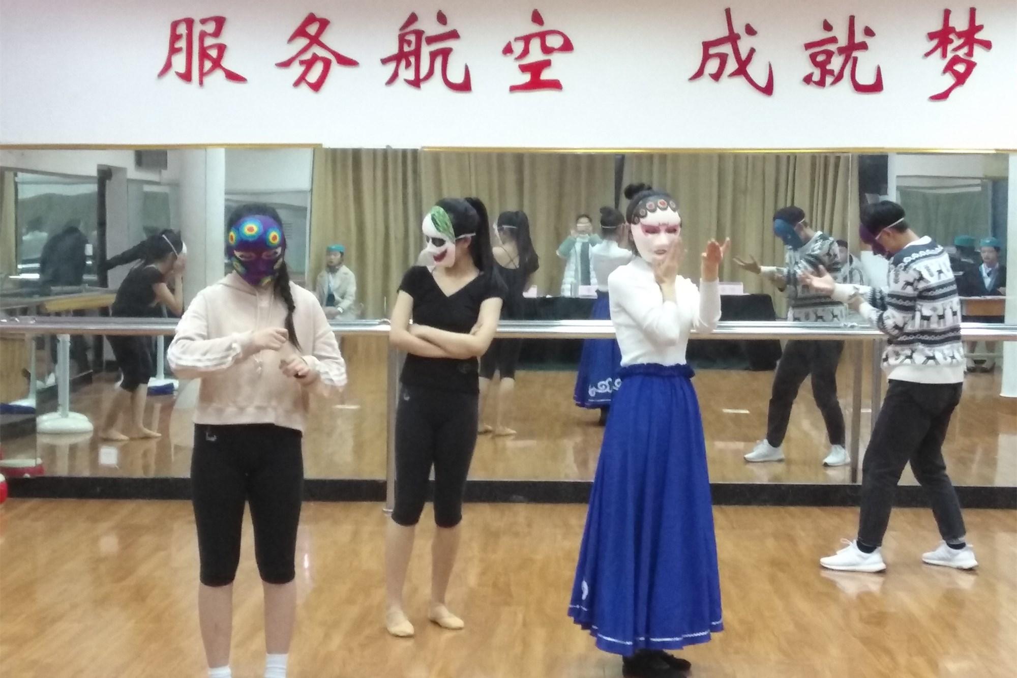 河南艺术中��n��/cyf_教育时讯 >正文    随着2019年的河南省高考艺术类统一考试的临近, 1