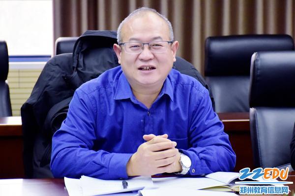 郑州47中教科室主任姚强进行点评