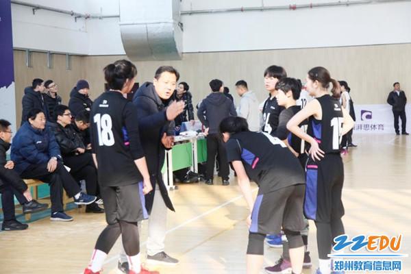 杨建勇教练暂停指导