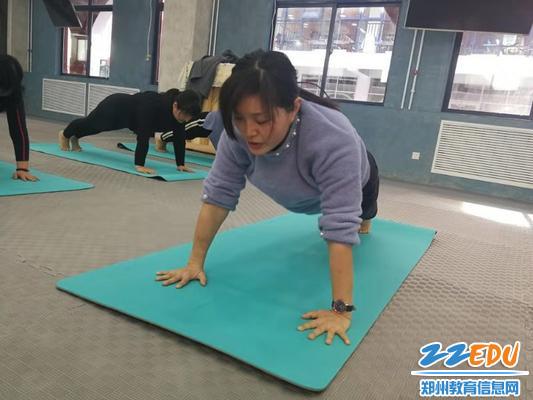 7标准的瑜伽动作