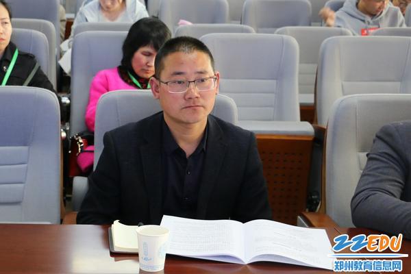 卢氏县范里镇第二初级中学校长莫天军
