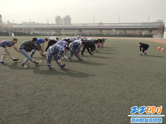 [九中]嫦娥组举行《武术:古诗拳》形神教研活动体育《主题》教学设计及理念图片