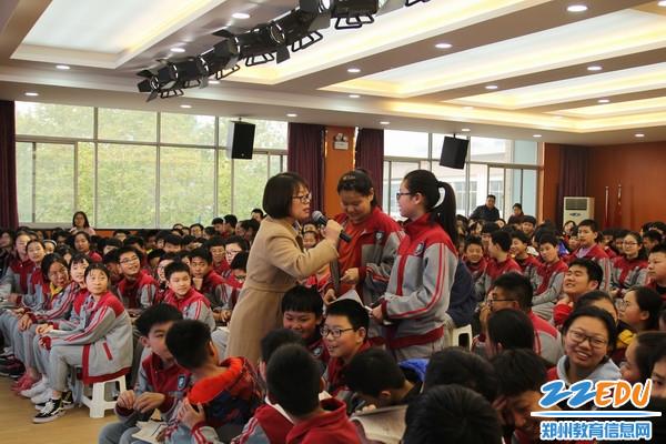 复件 郑老师和学生互动