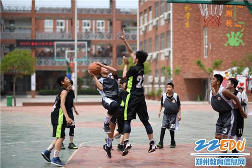1.小学男子组比赛