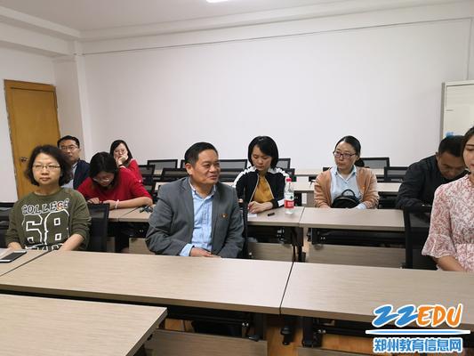 郑州回中校长李玉国参加第六支部学习活动
