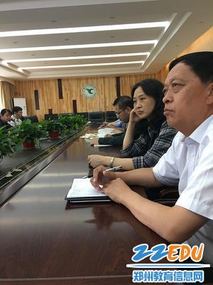 郑州回中党委书记崔振喜参加第三支部支部学习活动