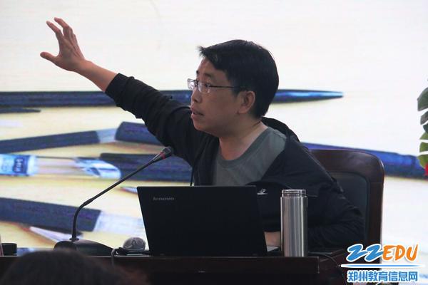 郑州市教研室副主任孙红保激情开讲