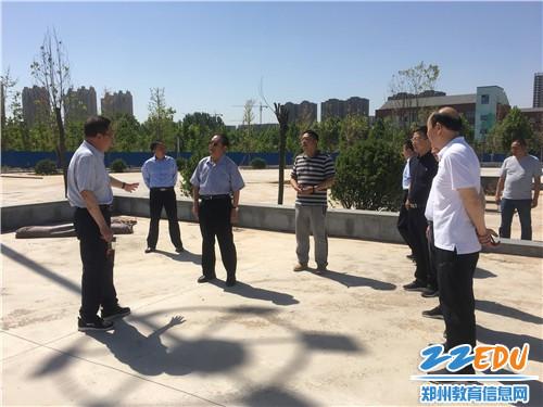市老体协副主席刘峰对门球场地建设提出建议 (1)
