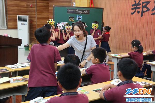 图片3-张西老师在上课