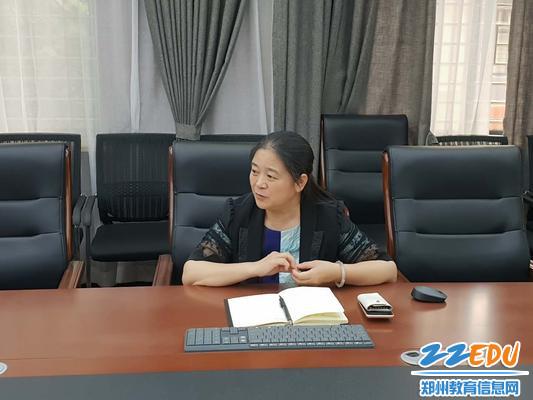 党总支副书记刘曲飞对接下来的宣传工作提要求